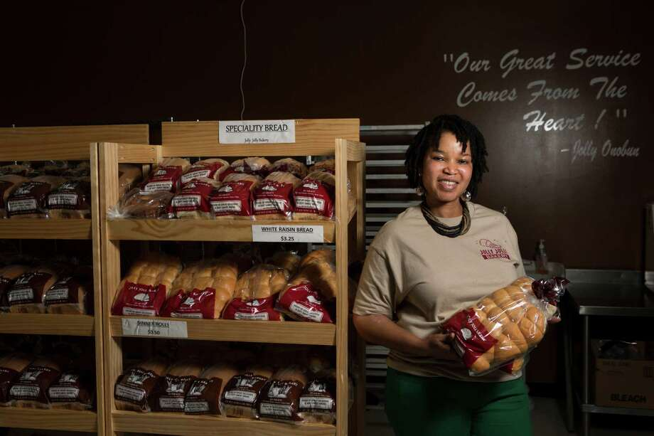 Jolly Onobun, 43, is the owner of Jolly Jolly Bakery located in 6275 Hwy 6 South Houston. Onobun learned the original recipe of her sweet bread back in her home country Nigeria. Photo: Marie D. De Jesus, Houston Chronicle / © 2015 Houston Chronicle