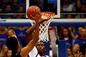Kansas romps in Diallo's debut - Photo