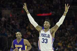 76ers end longest skid in U.S. pro history - Photo