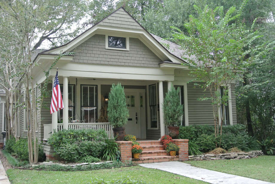 Four homes are included on the Holiday Home Tour hosted by the Houston Heights Association. Photo: Courtesy Photo
