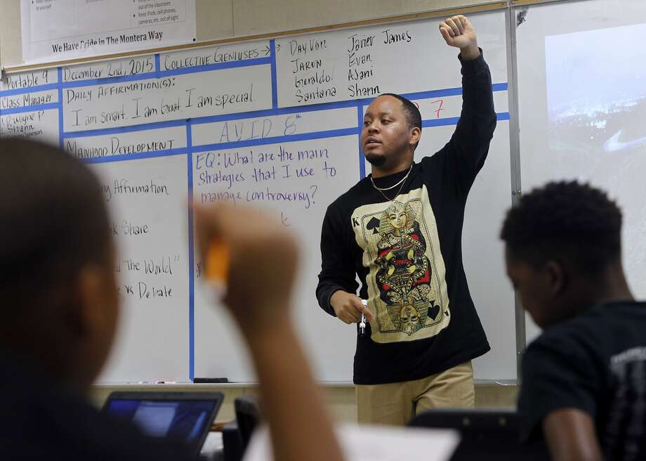 Kevin Jennings teaches the Manhood Development class for 6th grade boys at Montera Middle School in Oakland, Calif. on Wednesday, Dec. 2, 2015. Photo: Paul Chinn, The Chronicle