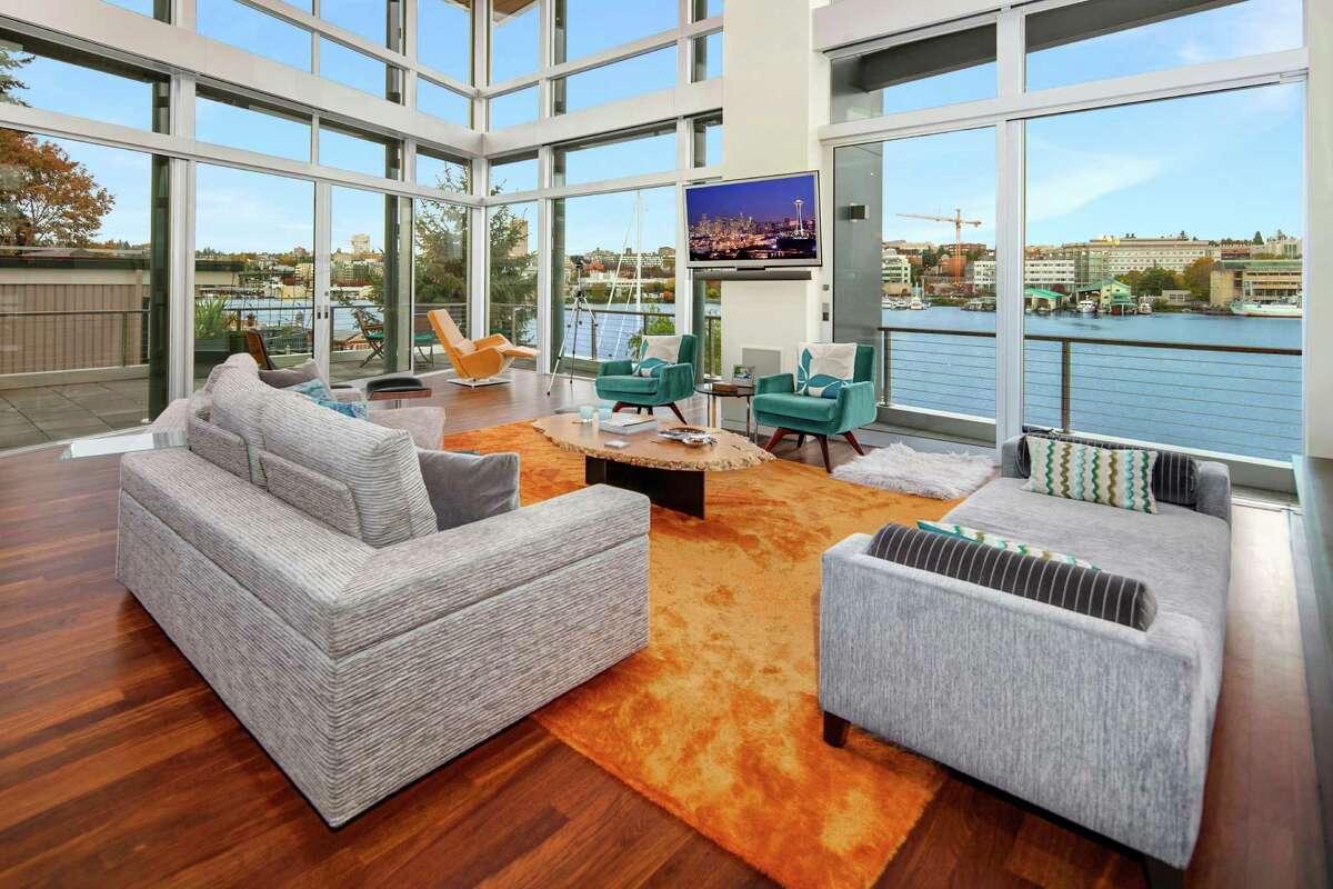 The living room in 3002 Fuhrman Ave. E.