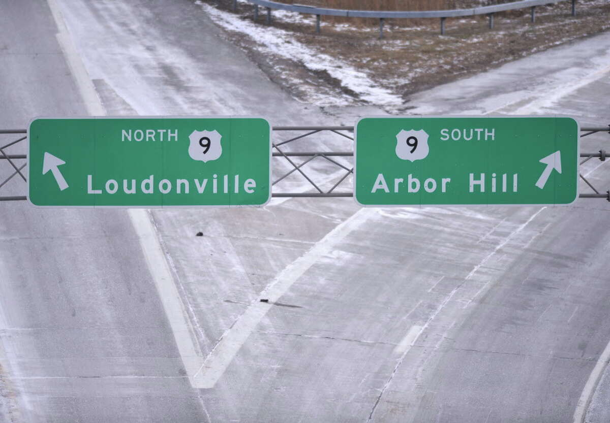 I90 signs looking eastward from the Northern Blvd. overpass in Albany Friday Jan. 25, 2013. (John Carl D'Annibale / Times Union)