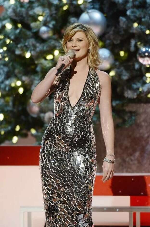 Jennifer Nettles set to Play With Fire in Majestic Theatre ...