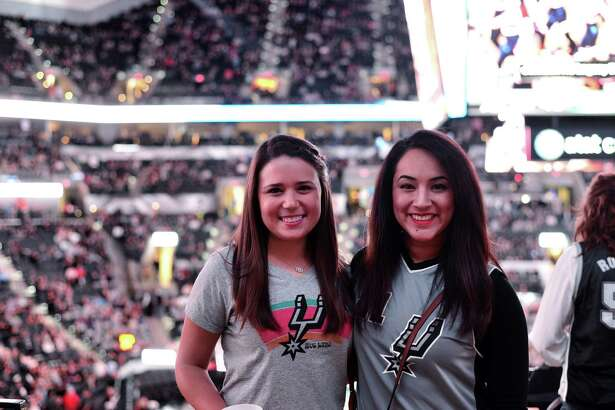 The San Antonio Spurs defeated the Milwaukee Bucks 95-70 Wednesday, Dec. 2, 2015 at the AT&T Center.