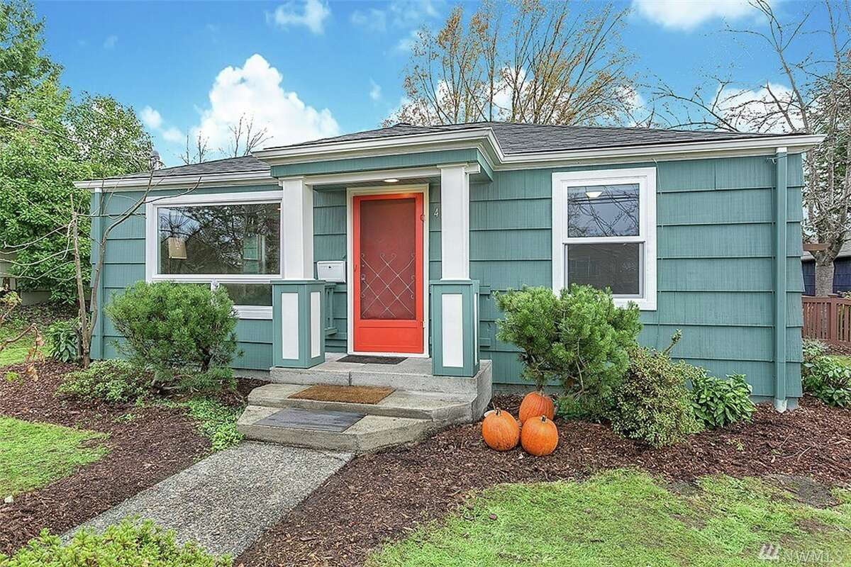 The first home, 4819 S. Findlay St., is listed for $449,950. The two bedroom, one bathroom home underwent extensive renovations in 2014, and includes a new roof, remodeled bathroom and new electrical and plumbing systems. There will be a showing for this home on Saturday Dec. 5 and Sunday Dec. 6 from 1 - 3 p.m. You can see the full listing here.