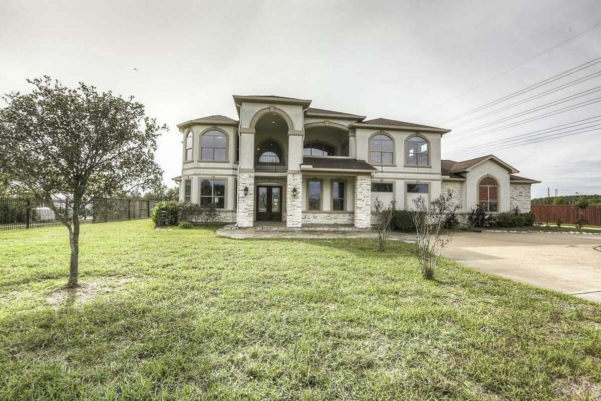 17133 Champions Lakeway in Tomball, Texas $599,900 / 4,938 square feet