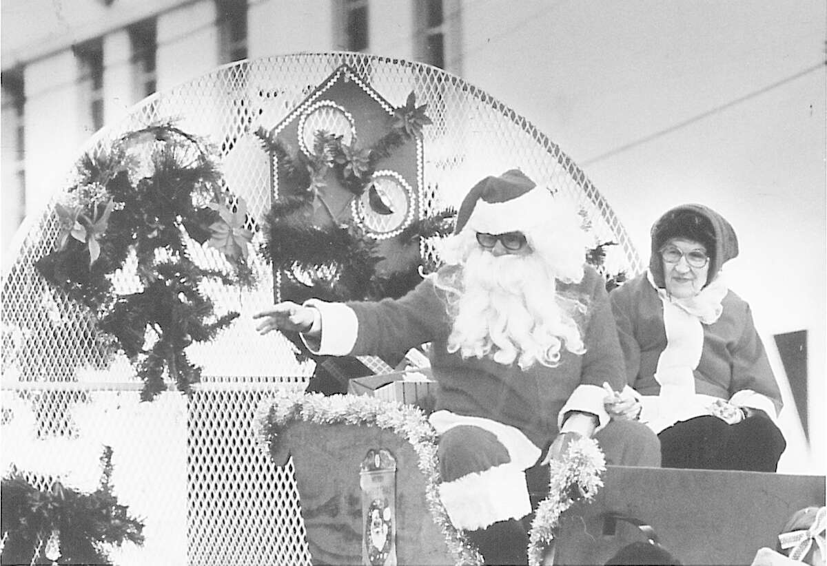 George Smith as Santa and Goldie Longsworth as Mrs. Claus, from Beaumont Retirement Hotel.