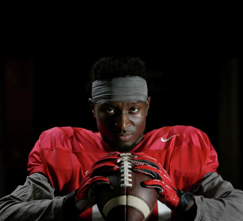 UH wide receiver Demarcus Ayers' big season - 89 catches, 1,140 yards, six touchdowns - wouldn't have happened if he had carried out his plan to transfer to TCU. Photo: Jon Shapley, Staff / © 2015  Houston Chronicle