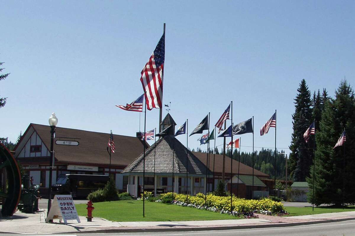 Pend Oreille County Pend Oreille County had the second largest number of cases per 100,000 people between Oct. 6 and Oct. 19. During the two week period, the county had a rate of 342 new cases per 100,000 people. It had a total of 47 new cases during that time.