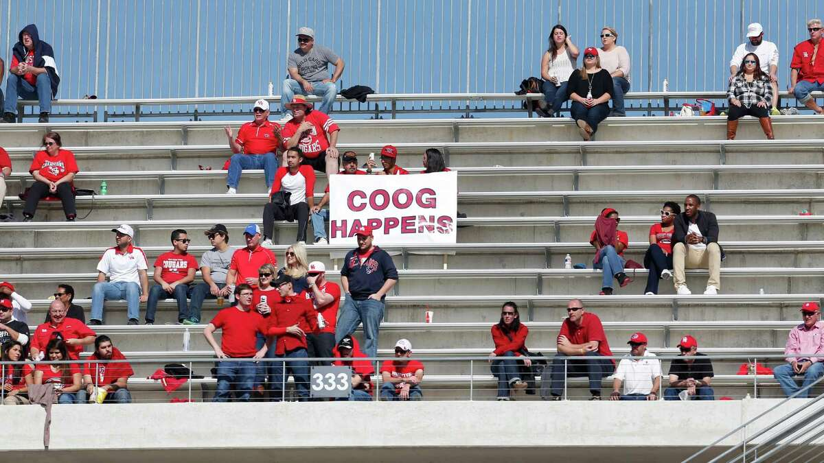 Houston Cons: It's long been considered a pro town and don't forget Texas' influence, which kept the Cougars out of the league when it formed. Football is only averaging 29,105 the last five years, although interest picked up late last season during UH's magical run and has continued into this season. There's also a thought that non-Texas schools in the Big 12 don't want to add another school from the Lone Star State.
