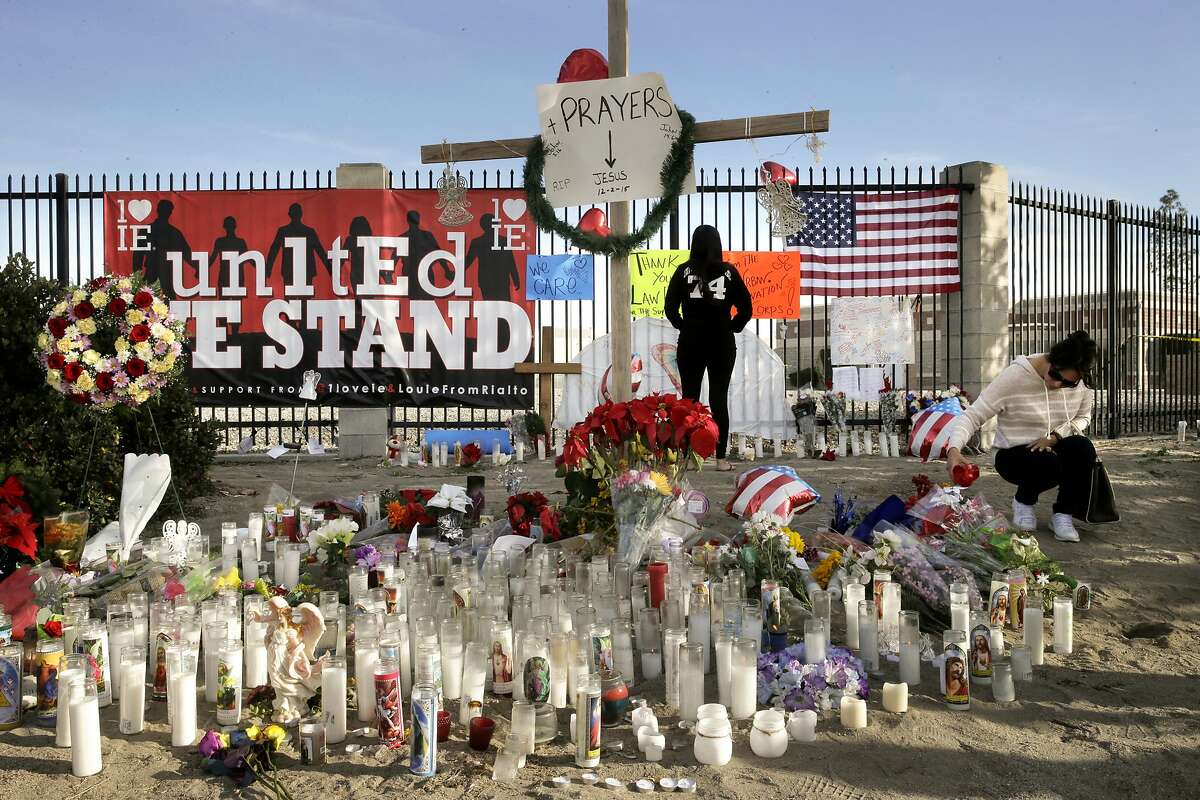A makeshift memorial honoring the victims of Wednesday's shooting rampage, Dec. 5, 2015, in San Bernardino.