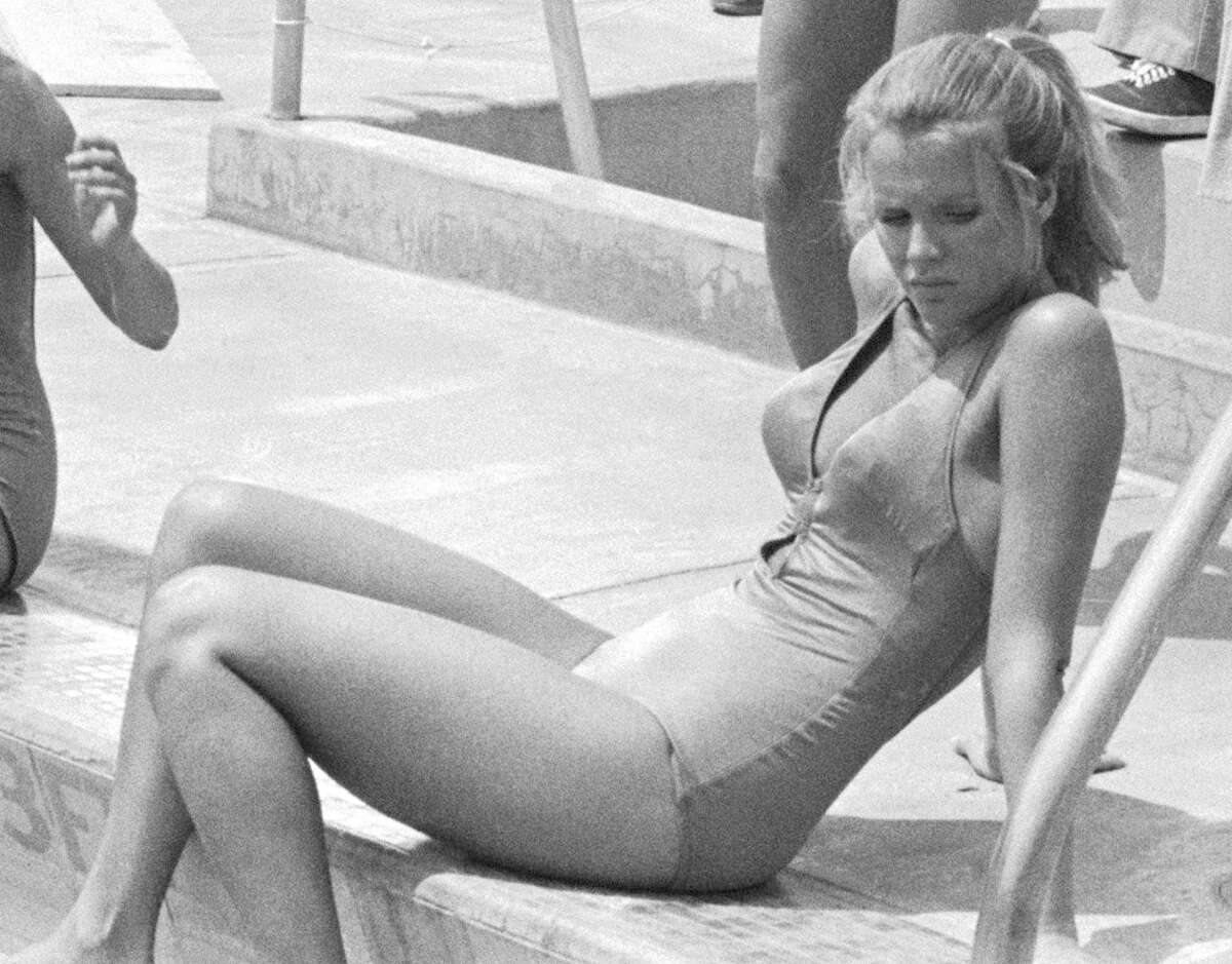 Oct. 14, 1976 (broadcast date): Basinger rests poolside in a break from shooting the episode