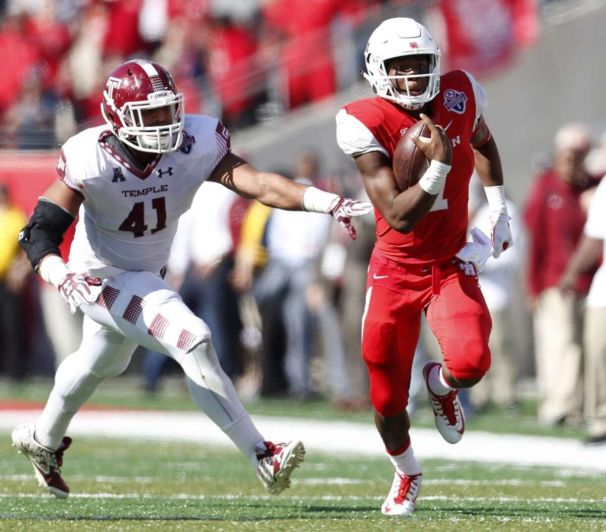 UH quarterback Greg Ward and his Cougars teammates will be in the national spotlight Saturday with a high-profile game against No. 3 Oklahoma at NRG Stadium.