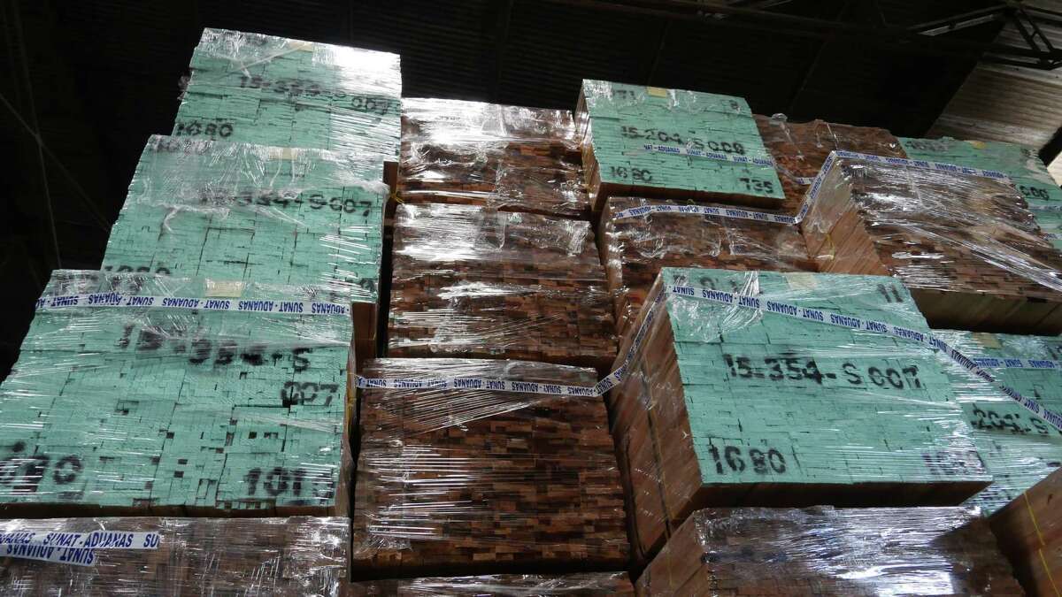 Amazon lumber shipped from Iquitos, Peru that is similar to the shipment questioned in Houston. This load of wood apparently remains in Peru.