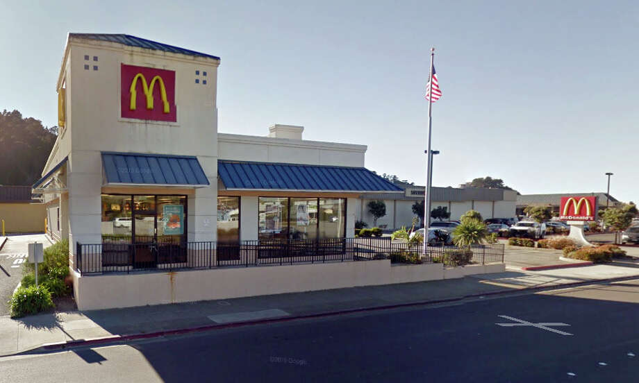 The McDonald's at 576 Linda Mar Boulevard in Pacifica was robbed on Sunday morning. Photo: Google Maps