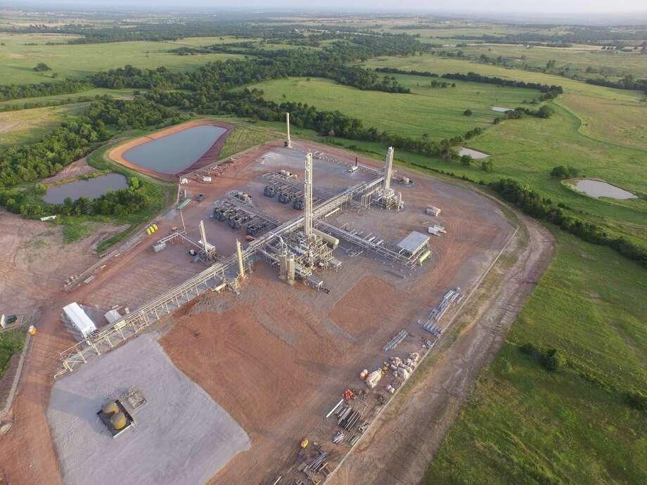 Devon Doubles Down On U S Shale Amid Oil Slump Houston