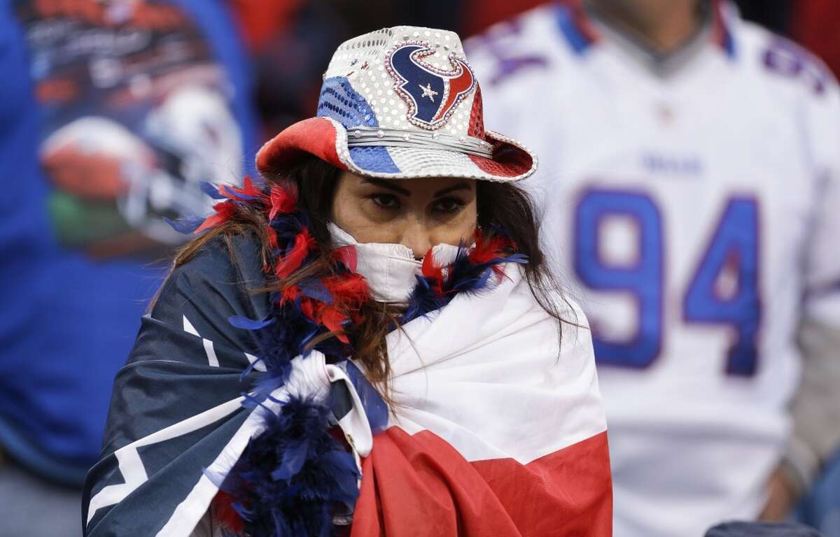 A Houston Texans watches as time runs out in the fourth quarter of an NFL football game against the Buffalo Bills at Ralph Wilson Stadium on Sunday, Dec. 6, 2015, in Orchard Park, N.Y. ( Brett Coomer / Houston Chronicle )