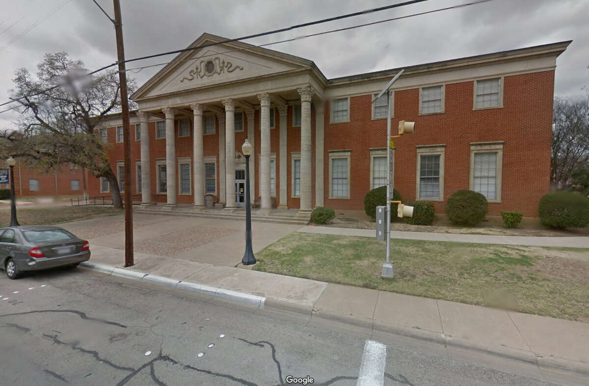 Name: William Ellis School: Howard Payne University Total compensation: $213,799 US News & World Reports ranking: 11, regional colleges Source: Chronicle of Higher Education