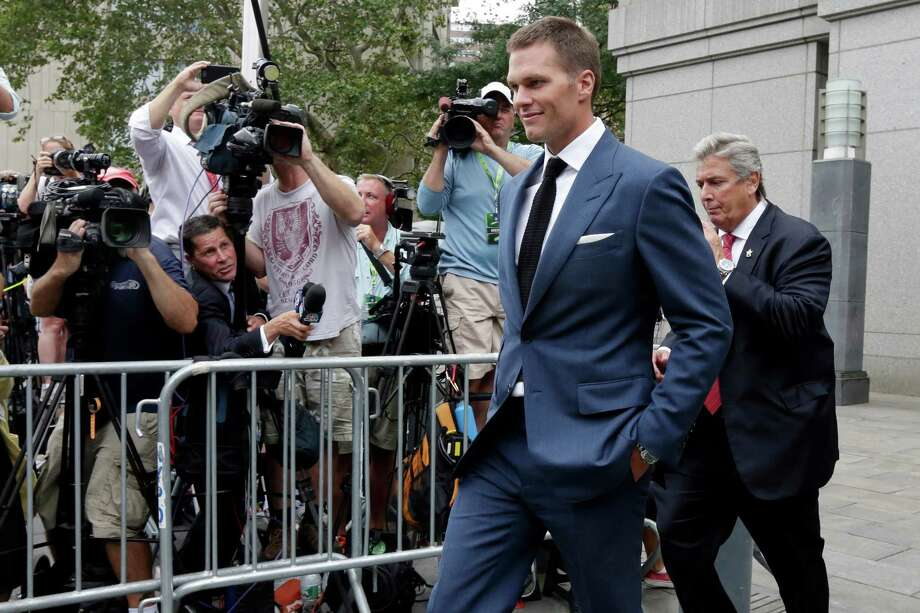 "New England Patriots quarterback Tom Brady leaves Federal court in New York,  Monday, Aug. 31, 2015. Last-minute settlement talks between lawyers for NFL Commissioner Roger Goodell and New England Patriots quarterback Tom Brady have failed, leaving a judge to decide the fate of ""Deflategate."" (AP Photo/Richard Drew) ORG XMIT: NYRD110 Photo: Richard Drew / AP"