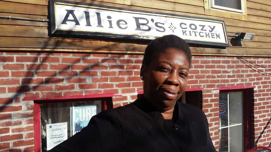 Kizzy Williams, owner of Allie B's Cozy Kitchen, a restaurant in the West Hill section of Albany, gave away 130 meals on Thanksgiving. (Chris Churchill / Times Union)