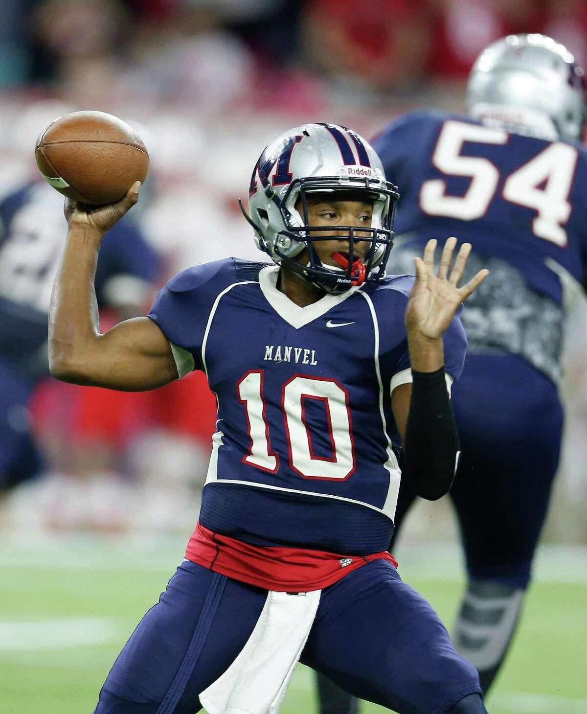 Manvel's QB Deriq King passes the ball during the first half of a high school football game at NRG Stadium on Friday, Dec. 4, 2015, in Houston ( Karen Warren / Houston Chronicle )