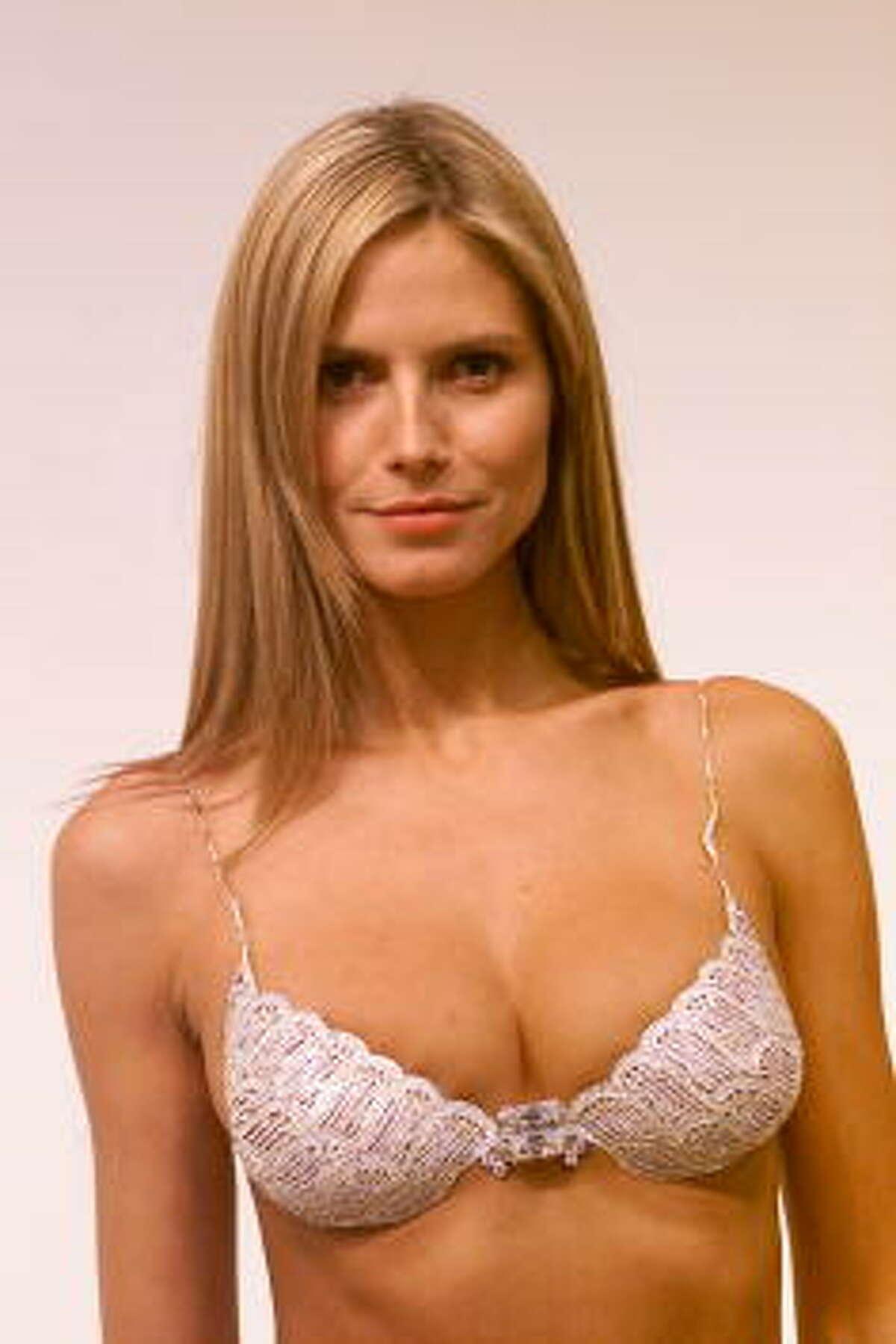 Valued: $12.5 million Victoria's Secret 2001 Fashion Show: Model Heidi Klum wearing the $12.5 million Fantasy Bra.