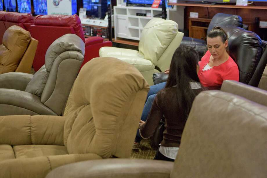 Conn's merchandise mix includes more furniture and mattresses as it sheds electronics. Photo: Marie D. De Jesus, Staff / © 2014 Houston Chronicle
