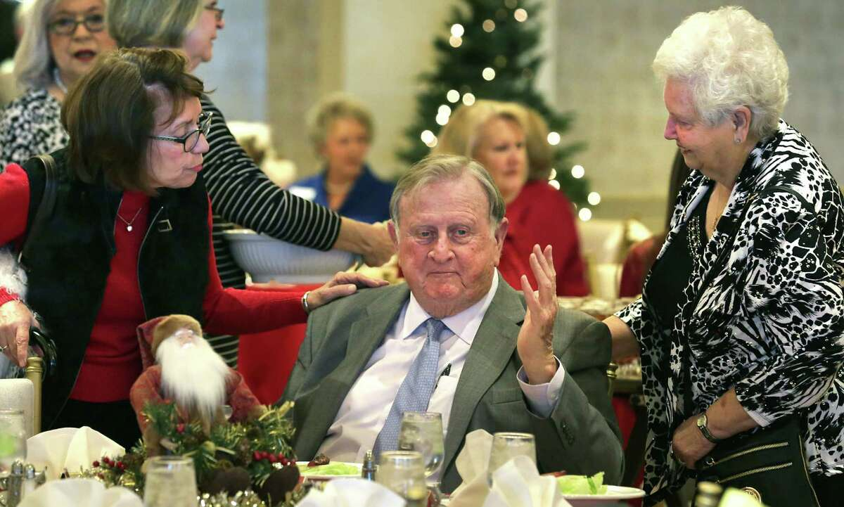 Red McCombs, who sits on the board of the nonprofit Alamo Endowment, chats with Kathleen Milam Carter, left, and Darlene Glover at the Daughters of the Republic of Texas Alamo Chapter luncheon on Tuesday, Dec. 8, 2015. McCombs addressed members of the group speaking about the future of the Alamo, held at the San Antonio Country Club.