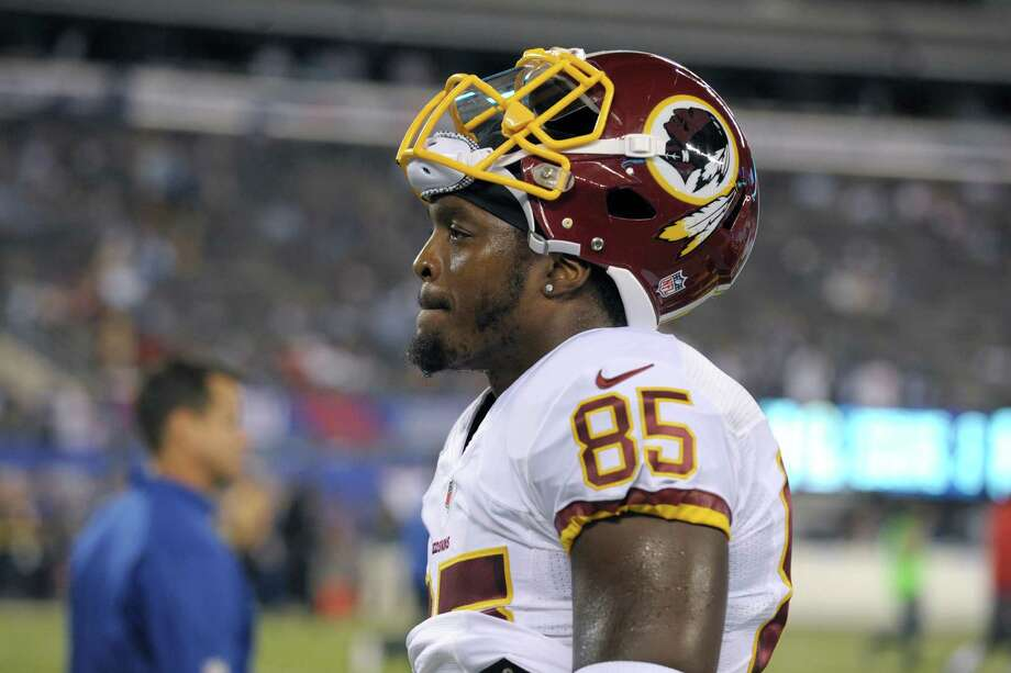 Washington Redskins tight end Anthony McCoy warms up before an NFL football game against the New York Giants Thursday, Sept. 24, 2015, in East Rutherford, N.J.  (AP Photo/Bill Kostroun) Photo: Bill Kostroun, Associated Press / FR51951 AP