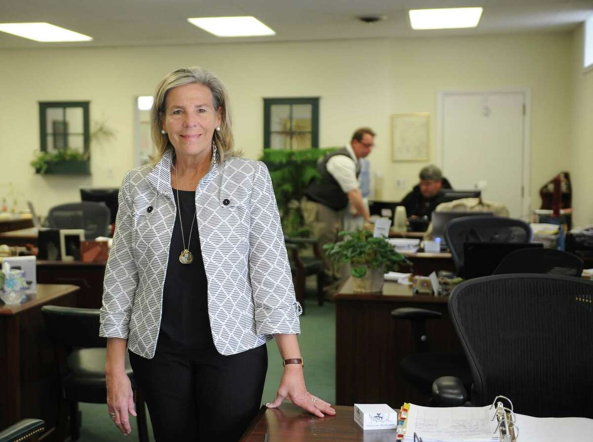 Barb McKee in the Riverside office of Houlihan Lawrence, with Greenwich, Conn. sales up 3 percent through October 2015 from a year earlier.