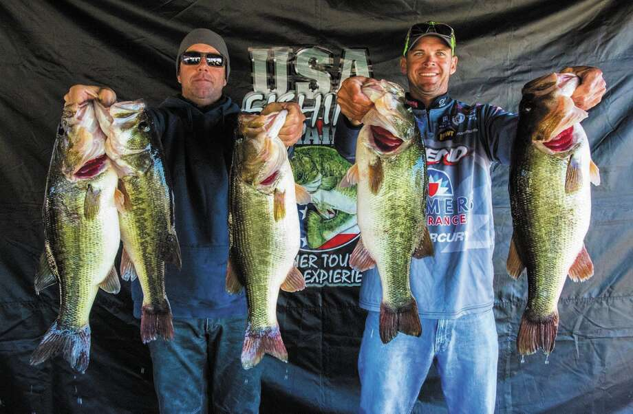 Todd Castledine & Russell Cecil topped the field, at the Platinum Team Trail tournament that was held December 5-6, 2015. They had a two day total of 63.63 pounds, which included a 9.80 kicker that was caught on Day -1.