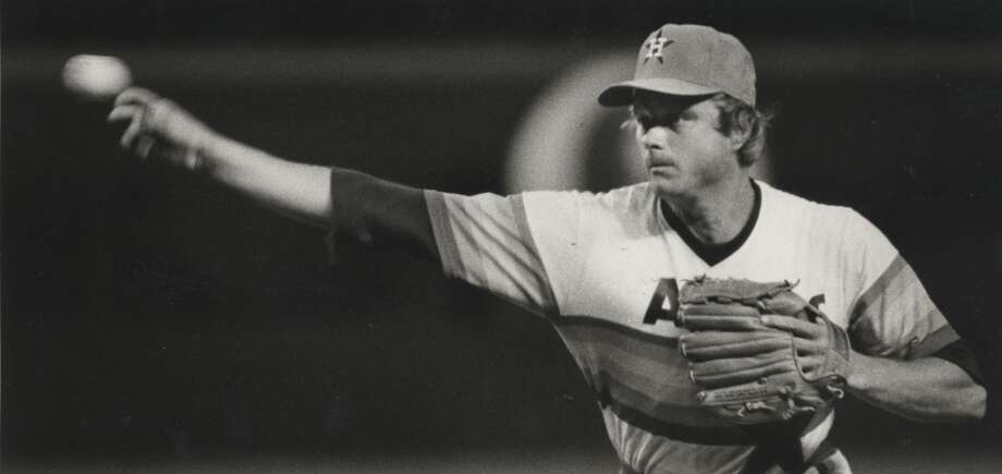 THE BESTApril 6, 1975:Astros acquire Joe Niekro from the Braves for cash.   Niekro was wallowing in the Braves' bullpen before the Astros got him for just $35,000 and helped resurrect his career. Niekro became the ace of the Astros' staff and twice won at least 20 games in a season. Photo: Timothy Bullard, Houston Chronicle