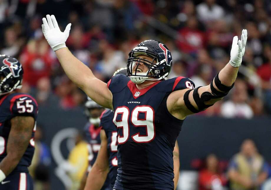 Texans defensive end J.J. Watt broke his left hand during practice Wednesday, but he said he'll play against the Patriots on Sunday. Photo: Eric Christian Smith /Associated Press / FR171023