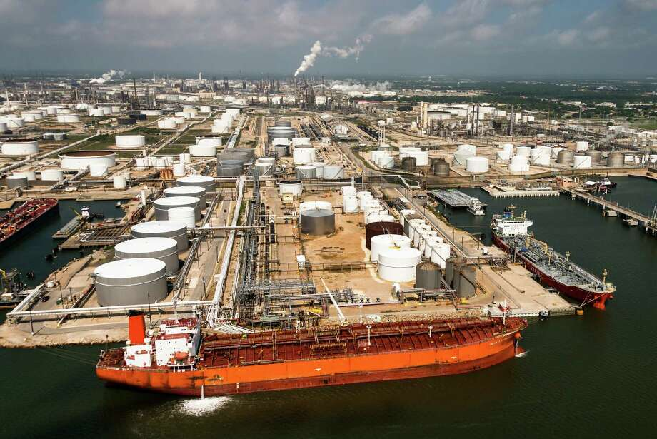 The Houston area is home to major fossil fuel companies and the nation's largest petrochemical complex. Some analysts say the industry has been too dismissive of the climate change movement. Photo: Smiley N. Pool, Staff / Â 2013  Houston Chronicle
