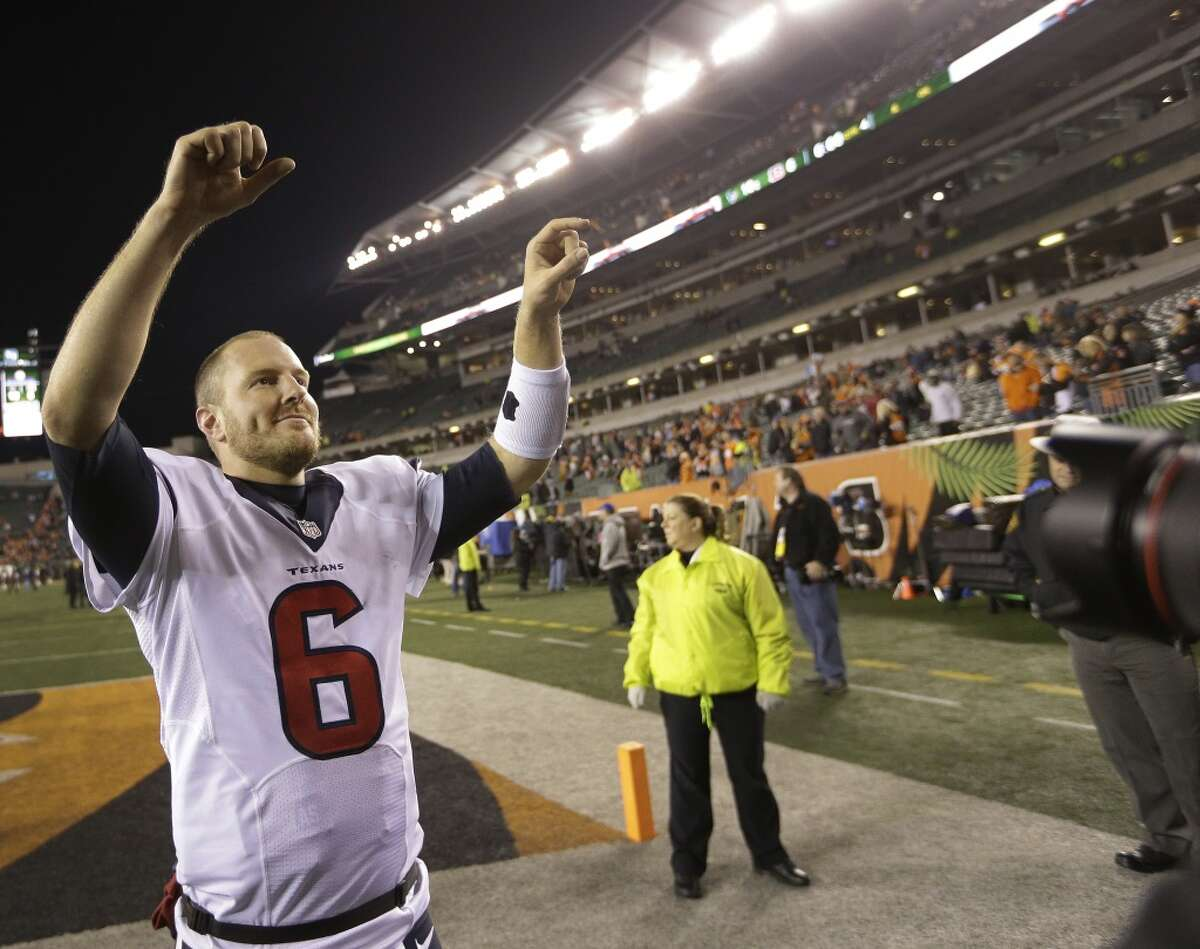 TIMELINE: The worst injuries in Houston sports history The Texans have signed two quarterbacks, including their T.J. Yates, after a season-ending injury to Deshaun Watson. Yates led the Texans to a playoff victory over the Bengals during his rookie season. See which major injuries cost Houston sports stars large amounts of playing time ...