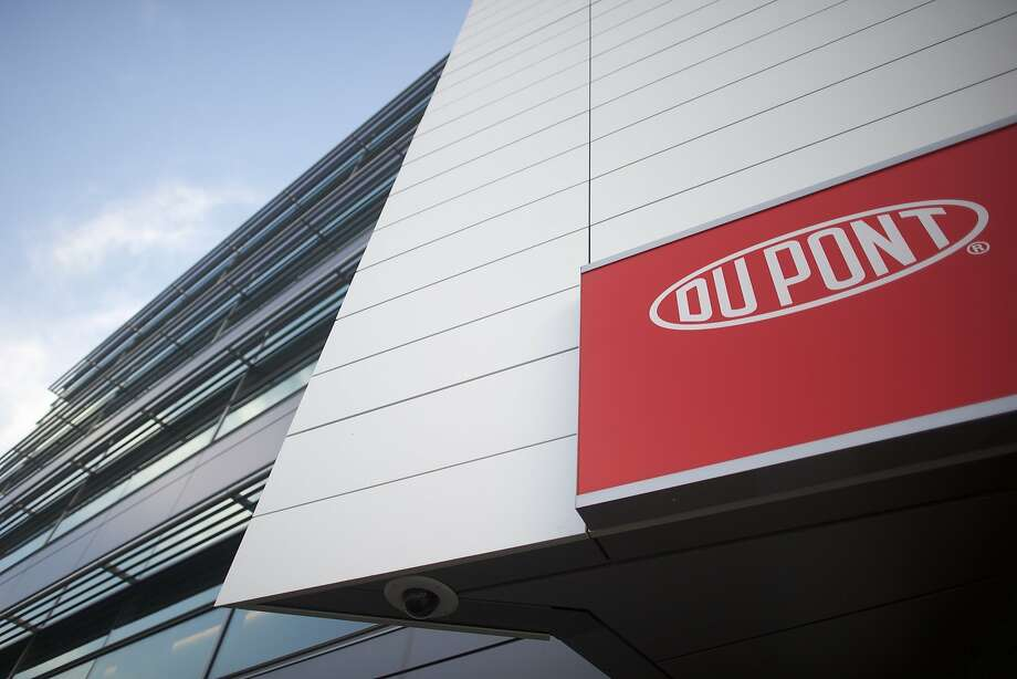 WILMINGTON, DE - DECEMBER 11:   Dupont corporate headquarters is seen on December 11, 2015 in Wilmington, Delaware.  The two largest chemical manufacturing U.S. companies, Dupont and Dow, agreed to merge, and will become DowDuPont.  (Photo by Mark Makela/Getty Images) Photo: Mark Makela, Getty Images
