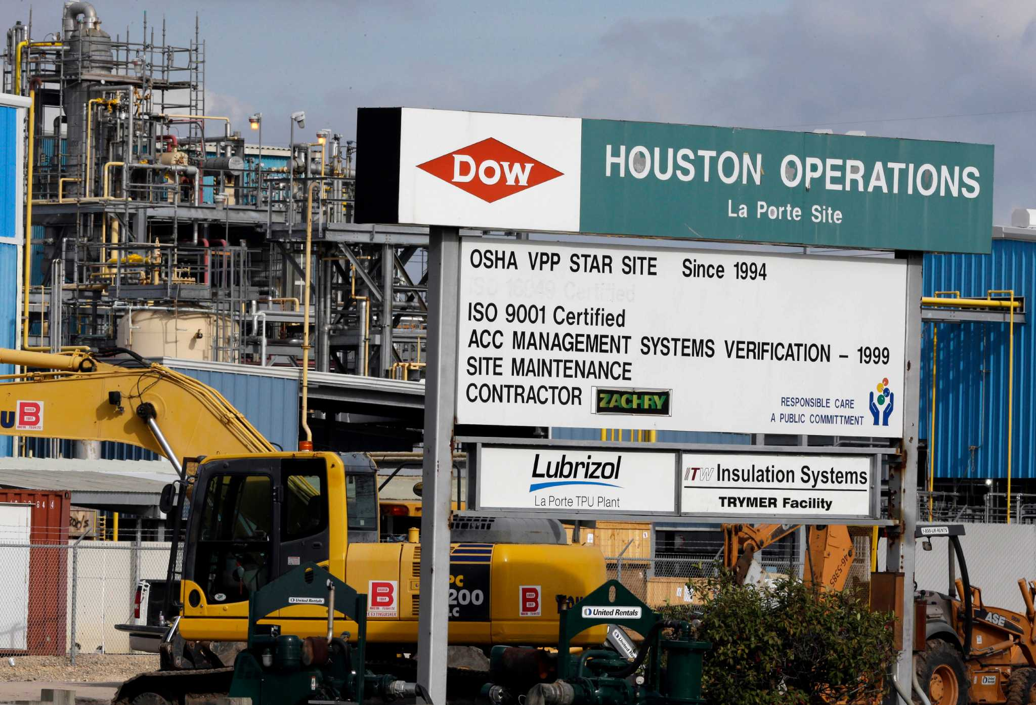 Dow Dupont Hope For Good Chemistry In Merger Houston