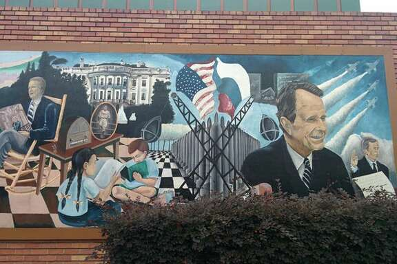 Less voter foot traffic here, but definitely more murals #houvote   Photo By: Fauzeya Rahman @fauzeyar