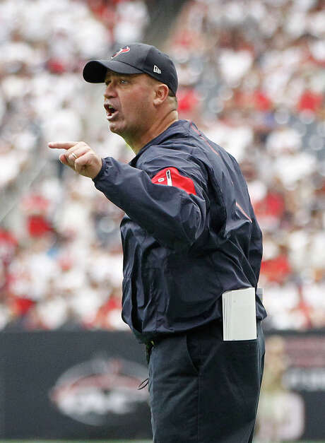 Fueled by his Irish temper and New England upbringing, Texans coach Bill O'Brien might be screaming at someone one minute and hugging him the next. Photo: Karen Warren, Staff / © 2015 Houston Chronicle