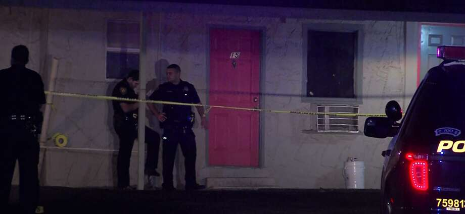 San Antonio police are seeking suspects after a man was critically injured late Saturday, Dec. 13, 2015, in a shooting at a motel on the far South Side of San Antonio. Photo: Courtesy Pro 21 Video, For MySA.com