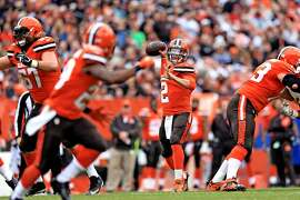 CLEVELAND, OH - DECEMBER 13: Quarterback Johnny Manziel #2 of the Cleveland Browns throws a pass during the first quarter against the San Francisco 49ers at FirstEnergy Stadium on December 13, 2015 in Cleveland, Ohio. (Photo by Andrew Weber/Getty Images)