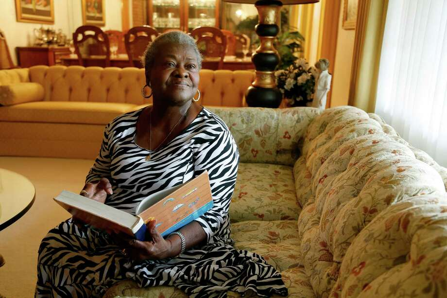 Alice Pradia, 83, is a retired teacher and tutor whose mission is to teach children how to read with a few special techniques. Photo: Karen Warren, Staff / © 2015  Houston Chronicle