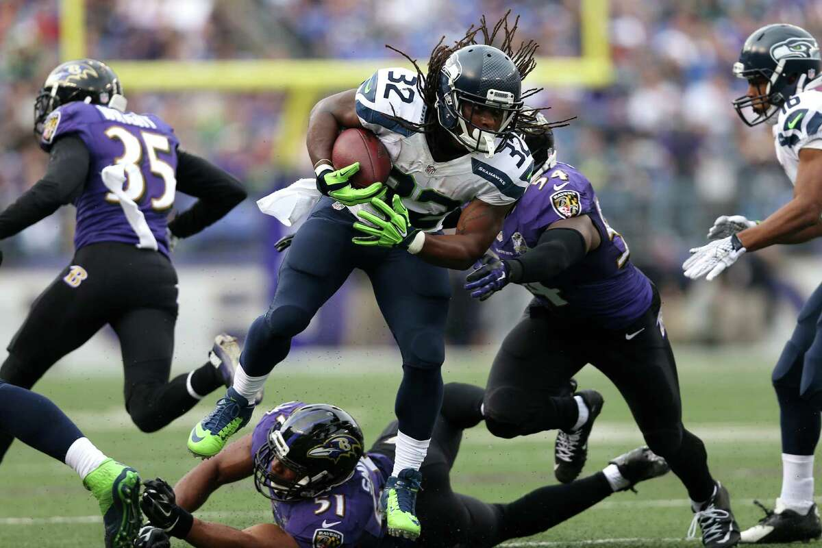 Running backs: C- Fourth-stringer DuJuan Harris was put in a tough spot when undrafted rookie Thomas Rawls was lost for the season in the first quarter with an ankle injury. Though Harris showed decent elusiveness, he managed only 42 yards on 18 carries and didn't score. He also had a fumble in the red zone, which isn't going to help his case for more playing time. Backup Fred Jackson added seven carries for 15 yards, while fullback Derrick Coleman had one rush for 19 yards.