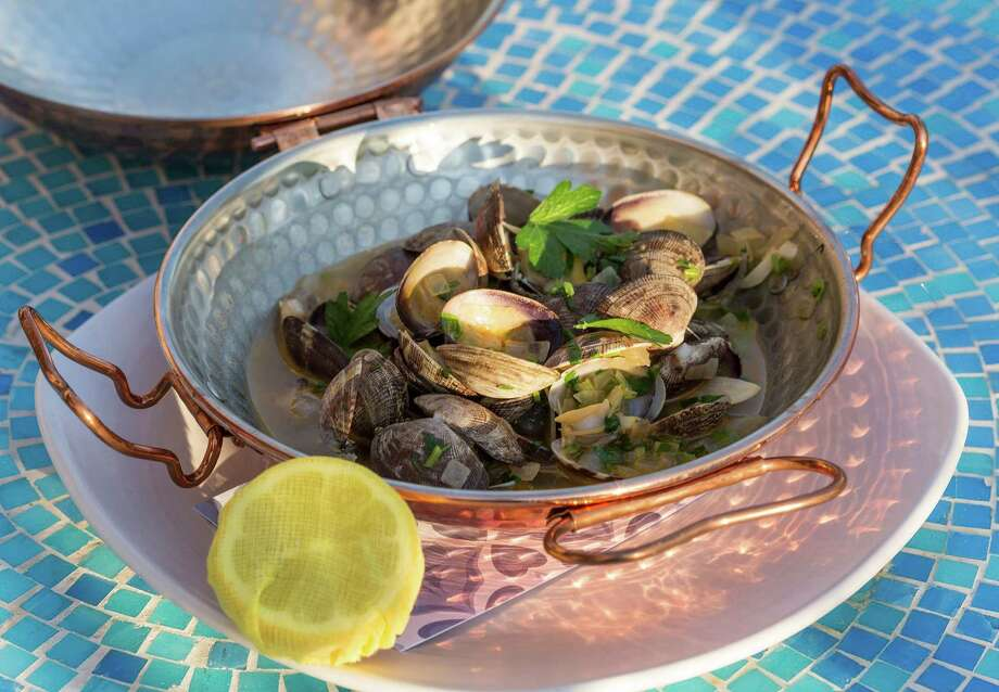Steamed clams at Oporto Fooding House and Wine Photo: Craig Hartley, Freelance / Copyright: Craig H. Hartley