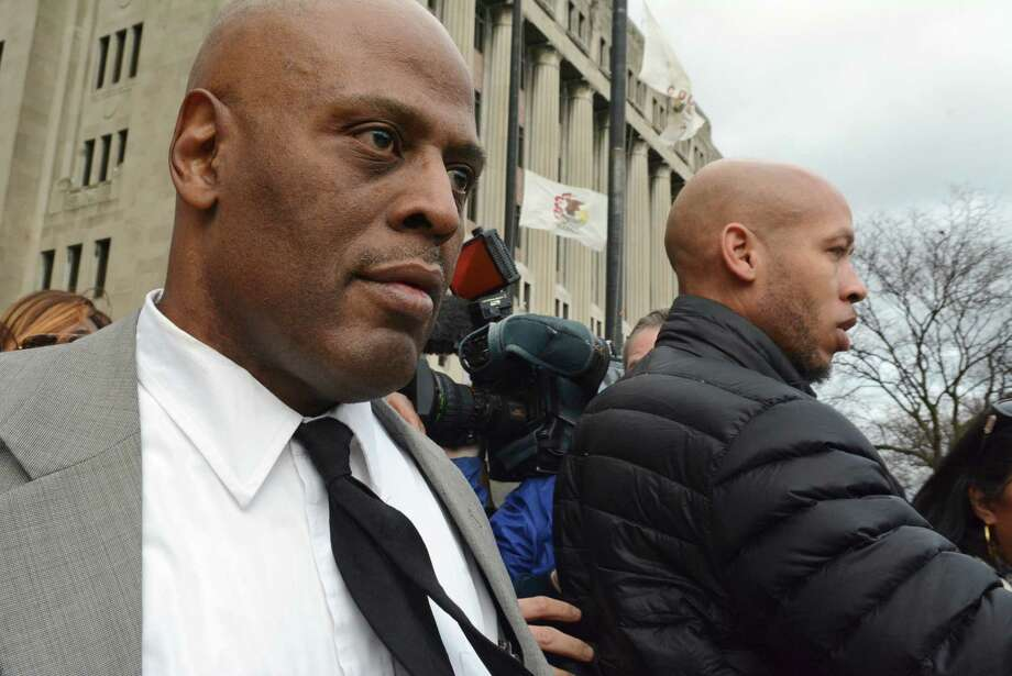 Chicago Police Cmdr. Glenn Evans, left, was the subject of at least 45 excessive-force complaints over a 20-year period. Photo: Brian Jackson, MBR / Chicago Sun-Times