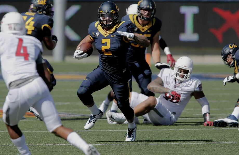 Cal's Daniel Lasco, 2 picks up ten yards on a second quarter run, as the California Bears take on the Washington State Cougars at Memorial Stadium in Berkeley, Calif., on Sat. October 3, 2015. Photo: Michael Macor / The Chronicle / ONLINE_YES
