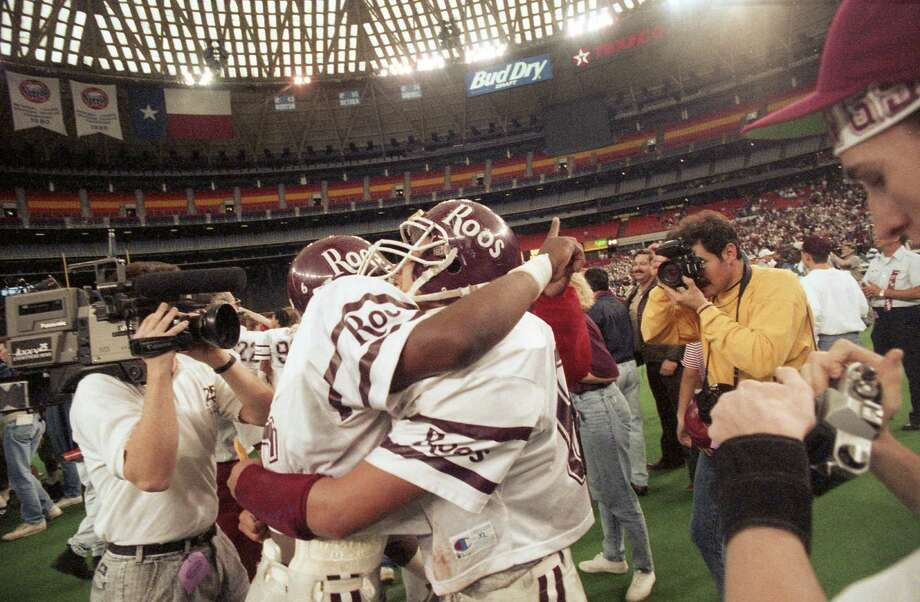 It was a happy pack of Killeen Roos after they beat Dulles for the Class 5A Division I state championship at the Astrodome in 1991. Photo: Howard Castleberry, HC Staff / Houston Chronicle