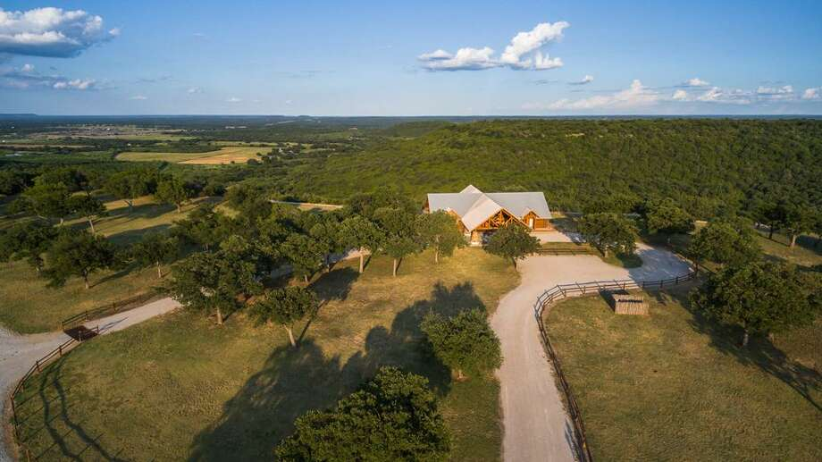 Luxury log cabin and 757 acre texas ranch listed at 5m for Luxury ranch texas