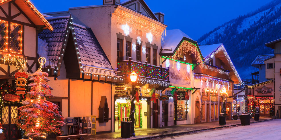 americas 20 best small towns for christmas houston chronicle - Best Places To Visit During Christmas